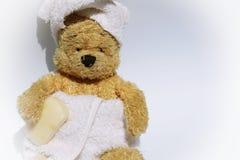 L'ours est dans la salle de bains Images libres de droits