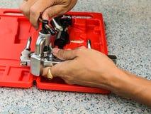 L'outil de démonstration utilisé pour la fusée de cuivre de tuyau Image libre de droits