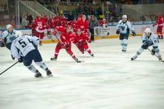 L'équipe de Spartak va sur l'attaque Image stock