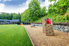 L'équipement de terrain de jeu a placé pour des enfants dans le club de tennis sur herbe de Tacoma Photo stock