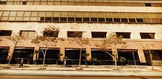 L A Tider som bygger i i stadens centrum Los Angeles Arkivfoto