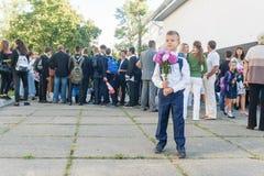 L'Ucraina Kiev - 1° settembre 2016 Il ragazzo del primo selezionatore con flusso Fotografia Stock Libera da Diritti