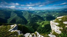 l'ucranino catturato maschera delle montagne di alba dei carpathians era elbrus stock footage