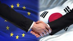 L'UE et la poignée de main de la Corée du Sud, des relations internationales d'amitié marquent le fond banque de vidéos