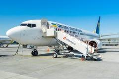 L'Ukraine, Borispol - 22 mai : Boeing 737 avant de débarquer des passagers à l'aéroport international de Borispol le 22 mai 2015 Image stock