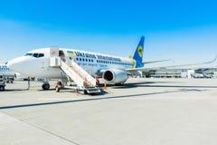 L'Ukraine, Borispol - 22 mai : Boeing 737 avant de débarquer des passagers à l'aéroport international de Borispol le 22 mai 2015 Photographie stock libre de droits