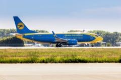 L'Ukraine, Borispol - 22 mai : Boeing 737 est sur la hausse à l'aéroport international de Borispol le 22 mai 2015 dans Borispol,  Photos stock