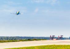 L'Ukraine, Borispol - 22 mai : Boeing 737 est sur la hausse à l'aéroport international de Borispol le 22 mai 2015 dans Borispol,  Photographie stock