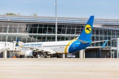 L'Ukraine, Borispol - 22 mai : Boeing 737-800 sur le terminal à l'aéroport international de Borispol le 22 mai 2015 dans Borispol Image libre de droits