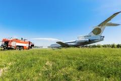 L'Ukraine, Borispol - 22 mai : L'aéroport international Boryspil de pompiers dépense des doctrines sur des avions de suppression  Images stock