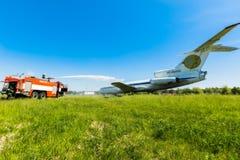 L'Ukraine, Borispol - 22 mai : L'aéroport international Boryspil de pompiers dépense des doctrines sur des avions de suppression  Photos libres de droits