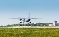 L'Ukraine, Borispol - 22 mai : L'avion militaire AN-26 va décoller à l'aéroport international de Borispol le 22 mai 2015 Photographie stock