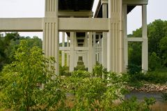 L'understructure du pont soutenant 271 d'un état à un autre photos libres de droits
