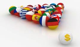 L'Union européenne sous forme de boules de billard de pyramides dans l'avant que le dollar a menacé Images stock