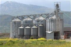 L'unité d'usine de silo de grain déshydratent le maïs de corps Photos libres de droits