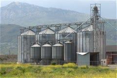 L'unité d'usine de silo de grain déshydratent le maïs de corps Photo libre de droits