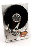 L'unité de disque dur de l'ordinateur dans désassemblé Images libres de droits