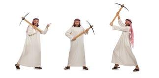 L'uomo arabo con la piccozza da ghiaccio isolata su bianco fotografie stock libere da diritti
