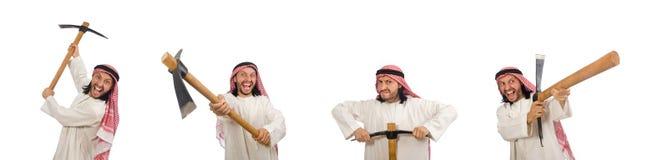 L'uomo arabo con la piccozza da ghiaccio isolata su bianco fotografia stock
