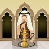 L'uomo arabo fuma il narghilé Immagine Stock Libera da Diritti