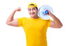 L'uomo che consegna bottiglia di acqua isolata su bianco Fotografie Stock