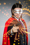 L'uomo con la copertura rossa nel concetto dell'eroe eccellente Fotografia Stock