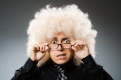 L'uomo con stile di capelli divertente fotografia stock