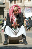 L'uomo con tradizionale copre a Sana sull'Yemen Fotografie Stock Libere da Diritti