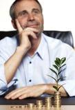 L'uomo d'affari è grande sviluppo di affari del abt felice Fotografia Stock Libera da Diritti