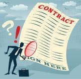 L'uomo d'affari astratto ispeziona il contratto Fotografia Stock