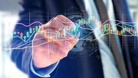 L'uomo d'affari che tiene un 3d rende le informazioni di dati di commercio di borsa valori Fotografia Stock Libera da Diritti