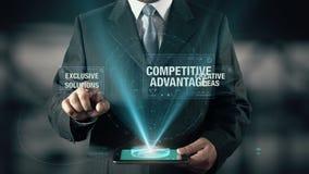 L'uomo d'affari con il concetto di successo di affari sceglie le soluzioni esclusive dalle idee creative di vantaggio competitivo stock footage