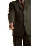 L'uomo d'affari dà la scheda in bianco Immagini Stock
