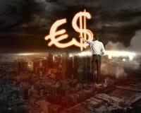 L'uomo d'affari disegna vari segni dei soldi Immagini Stock Libere da Diritti