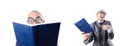 L'uomo d'affari divertente del nerd su bianco immagini stock