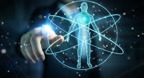 L'uomo d'affari facendo uso dell'interfaccia digitale 3D di ricerca del corpo umano dei raggi x ren Immagine Stock