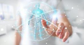 L'uomo d'affari facendo uso dell'interfaccia digitale 3D di ricerca del corpo umano dei raggi x ren Immagini Stock