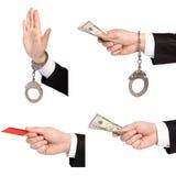 L'uomo d'affari isolato passa uno dà i soldi un altro in manette Fotografia Stock