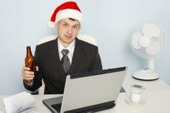 L'uomo d'affari si incontra il nuovo anno ancora che funziona immagini stock libere da diritti