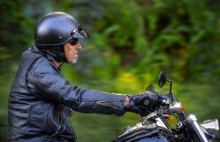 L'uomo della motocicletta ha libertà Fotografia Stock Libera da Diritti