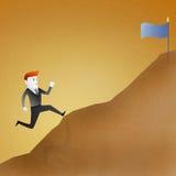 L'uomo di affari va eseguire in su la montagna rappresenta Immagine Stock Libera da Diritti