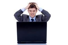 L'uomo di funzionamento è frustrato fotografie stock libere da diritti