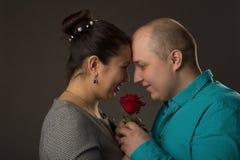 L'uomo e la donna molto amore Immagini Stock