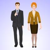 L'uomo e la donna sorridenti nello stile dell'ufficio durano Immagini Stock