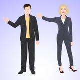 L'uomo e la donna sorridenti nello stile dell'ufficio durano Fotografie Stock
