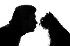 L'uomo ed il cane Fotografie Stock Libere da Diritti
