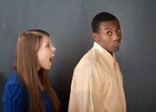 L'uomo ignora la donna arrabbiata Fotografie Stock Libere da Diritti