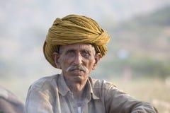 L'uomo indiano ha assistito al cammello annuale Mela di Pushkar Fotografia Stock