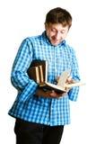 L'uomo legge un libro Immagini Stock Libere da Diritti
