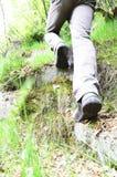 L'uomo riporta in scala una collina Fotografie Stock